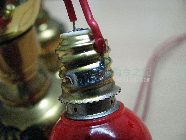 原燈泡底座焊接情形