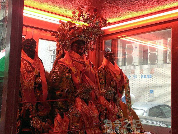 鑾轎上的關聖帝君與關平太子、周倉將軍